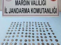 Mardin'de bir araçta 117 tarihi sikke ele geçirildi