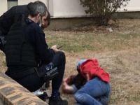 Charlie Hebdo'nun eski binasının çevresinde bıçaklı eylem