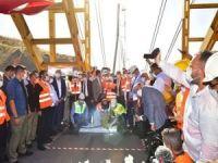 Bakan Karaismailoğlu, dünyanın 4'üncü büyük köprüsünde incelemelerde bulundu