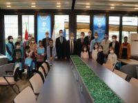 Diyanet Vakfı İstanbul Şubesinden 50 öğrenciye tablet
