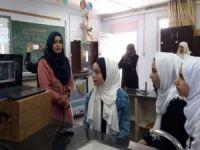 Filistinli öğretmen Esma Mustafa, Küresel Öğretmen Ödülü'nü aldı