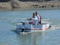 Sondaj ustası hem karada hem suda gidebilen tekne geliştirdi