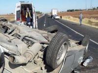 Şanlıurfa'da otomobil takla atarak devrildi: 3 yaralı
