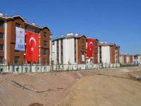 Depremzedeler için yapılan 2 bin 500 konutun inşası tamamlandı