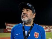 Dünyaca ünlü futbolcu Maradona öldü