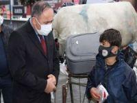 HÜDA PAR İstanbul İl Başkanlığı farkındalık için vatandaşlara maske dağıttı