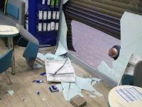 Hırsızlar sokağa çıkma yasağında telefon mağazasını soydu