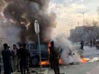 Afgan milletvekilinin aracını hedef alan bombalı saldırıda 2 kişi öldü