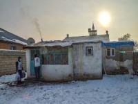 Yetimler Vakfı tarafından Ağrı'daki yetimlere kışlık giyim yardımı yapıldı