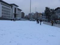 İstanbul beyaz örtüye teslim oldu