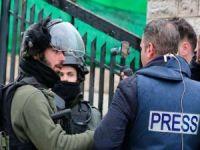 Siyonist işgal rejimi 2020 yılında Filistinli gazetecilere yönelik 490 hak ihlali yaptı