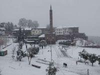 Kar yağışı Diyarbakır'ın tarihi güzelliklerine güzellik kattı