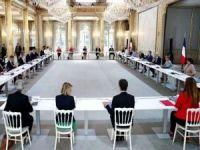 Fransa'da İslam'ı ve Müslümanları hedef alan tasarı komisyondan geçti