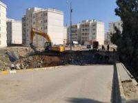 PKK'nın tahrip ettiği Çağ Çağ Deresi üzerindeki köprülerin yıkımına başlandı