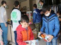 Mardin Umut Kervanı dağıttığı oyuncaklarla 500 çocuğu sevindirdi