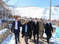 Siirt Valisi Hacıbektaşoğlu, Eruh ve Pervari'de incelemelerde bulundu