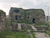 Zamana direnen 6 bin yıllık Cizre surları yok olmayla karşı karşıya