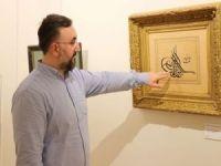 """20 yılda topladığı 600 yıllık """"Hat"""" eserlerini İstanbul'da sergiliyor"""