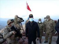 Millî Savunma Bakanı Hulusi Akar TSK Komuta Kademesi ile Namaz Dağı'nda