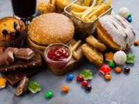 Yağlı ve şekerli yiyecekler hafızayı zayıflatıyor