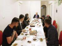 Cumhurbaşkanı Erdoğan iftarda hayvancılıkla uğraşan aileye misafir oldu