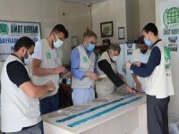 Mardin Umut Kervanı ihtiyaç sahibi yüzlerce aileye alışveriş kartı dağıttı