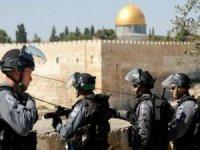Siyonist işgal rejimi Filistinlilere ses bombalarıyla müdahale ediyor