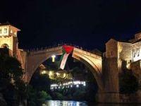 Tarihi Mostar Köprüsü'ne Filistin bayrağı asıldı