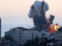 Siyonist işgal rejimi Gazze'de medya binasını bombaladı
