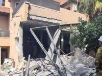 Direnişin fırlattığı füzeler siyonist gasıpların evlerine isabet etti