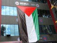 Adıyaman'da vatandaşlar evlerine ve binaların dış cephesine Filistin bayrağı astı