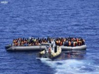İzmir Seferihisar'da 87 düzensiz göçmen yakalandı