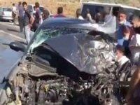 Beton mikseri ile otomobil çarpıştı: Bir ölü bir yaralı