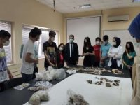TÜBİTAK Van bölge birincileri Rektör Demir'i ziyaret etti