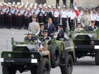 Fransa'da e-muhtırayı imzalayan generaller askeri yüksek konseye hesap verecek