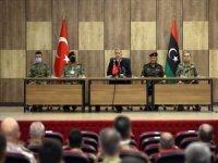 Bakan Hulusi Akar: Haklı davalarında Libya ile beraberiz