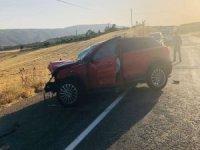 Siirt'te iki araç kafa kafaya çarpıştı