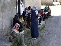 YKS'ye giren öğrencilerin aileleri çocukları için dua etti