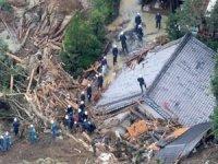 Japonya'da meydana gelen heyelan sonrası en az 20 kişiden haber alınamıyor