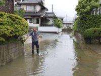 Japonya'da yaklaşık 330 bin kişi tahliye edilecek