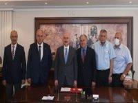 Bakan Karaismailoğlu, Türkiye Yol-İş Sendikası'nı ziyaret etti