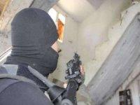 Türkiye'ye patlayıcı göndermek isteyen 2 PKK'lı öldürüldü