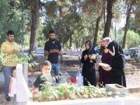Arefe gününde mezarlık ziyaretleri unutulmadı