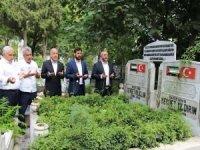 HÜDA PAR Genel Başkan Yardımcısı Aslan şehid kabirlerini ziyaret etti