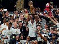NBA'de Milwaukee Bucks 50 yıl sonra şampiyon oldu