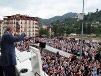 """Cumhurbaşkanı Erdoğan: """"Selden zarar gören tüm ilçe ve köylerimizi imar edeceğiz"""""""