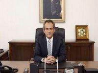 Milli Eğitim Bakanı Ziya Selçuk'un yerine Bakan Yardımcısı Mahmut Özer atandı