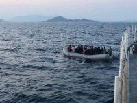 İzmir ve Antalya açıklarında 51 düzensiz göçmen kurtarıldı