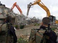 Siyonist işgal rejimi Filistinlilerin evlerini yıkmayı sürdürüyor