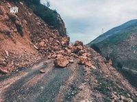 Artvin-Yusufeli karayolu heyelan nedeniyle kapandı